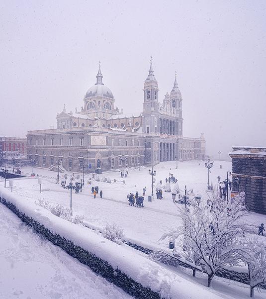 Catedral_Almudena_nevada